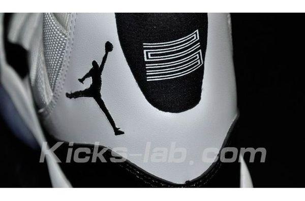 Air Jordan (XI) 11 Concord 2011