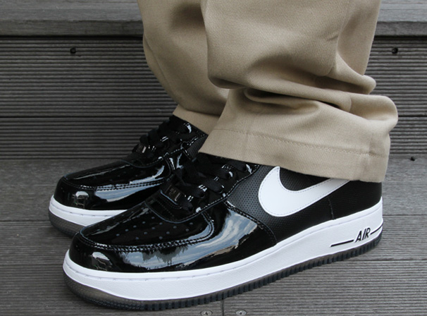 Nike Air Force 1 Low Patent Perf