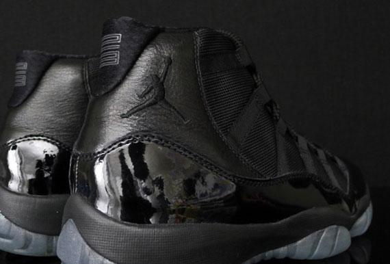 Air Jordan 11 Black Out
