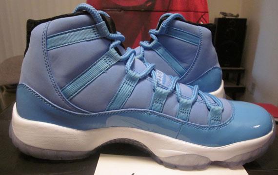 Air Jordan XI 'University Blue'