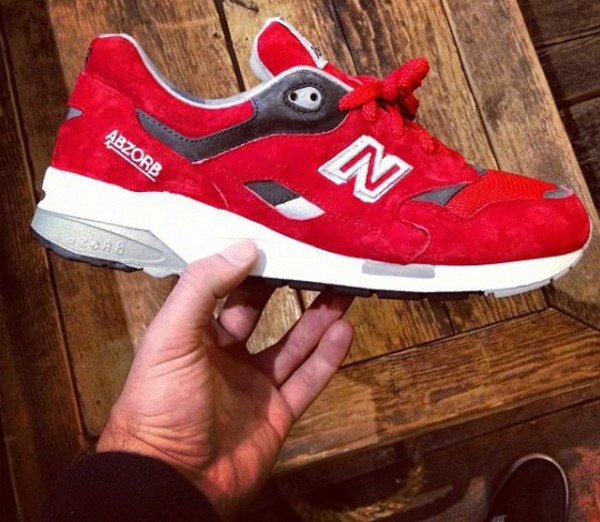 To acquire New Balance CM1600 Elite Edition Trainers picture trends
