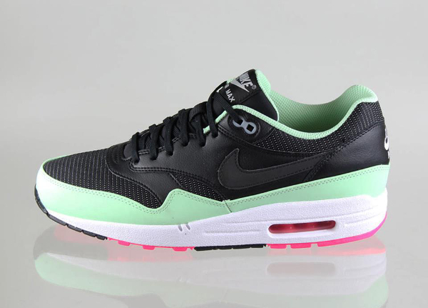nike air max 1 fb style air yeezy 2 pas cher