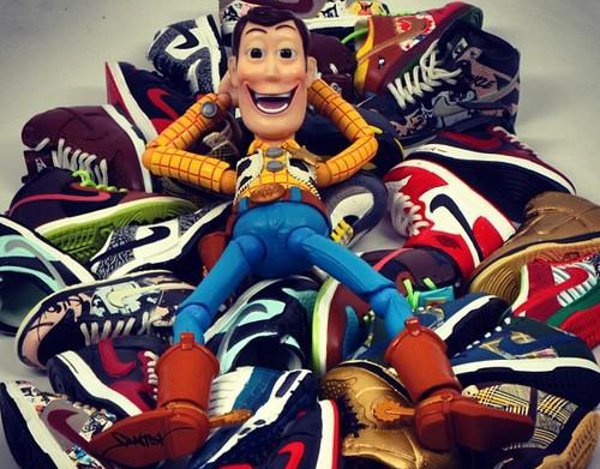 15 réactions de sneakers addict devant des baskets !