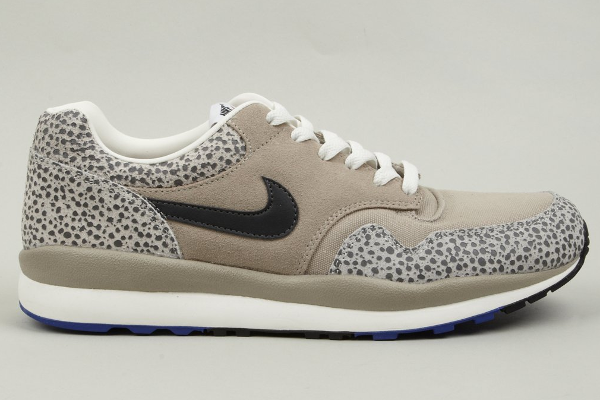 La Nike Air Safari Vintage Classic Stone disponible en boutique