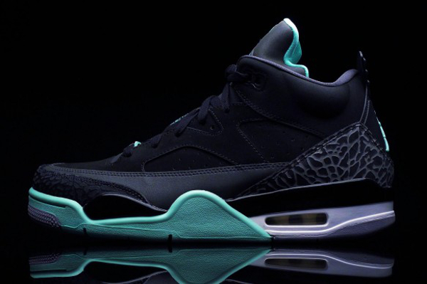 air-jordan-son-of-mars-low-green-glow-5