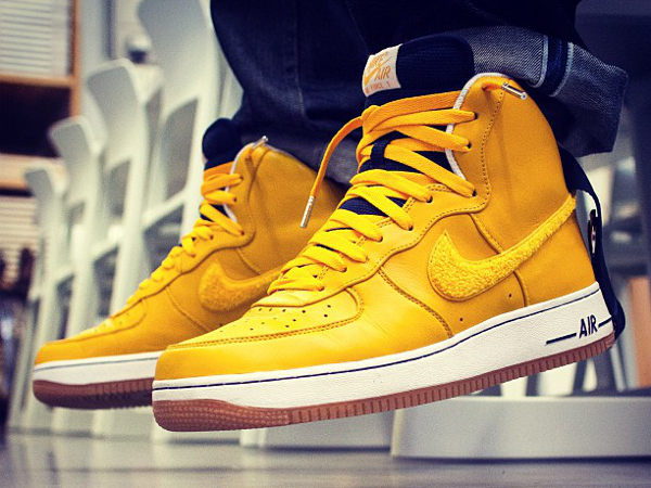nike air force 1 high yellow