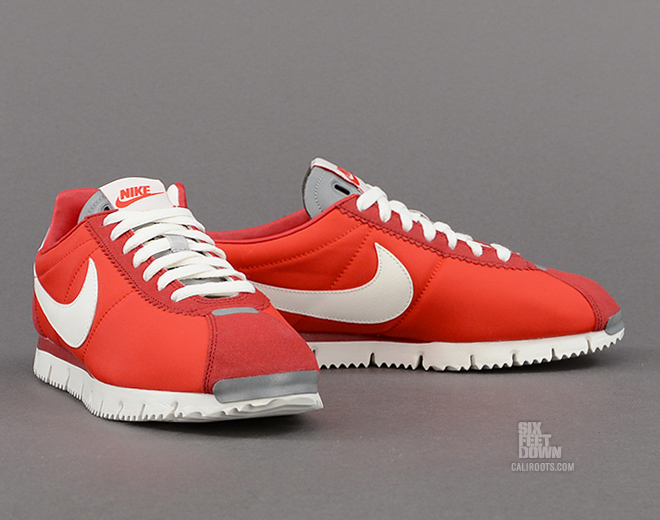 nike red cortez