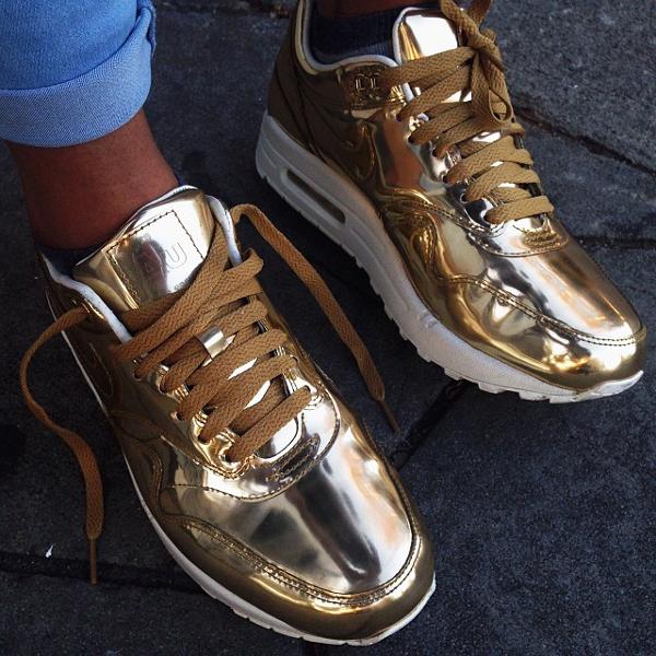 Дорогие кроссовки женские