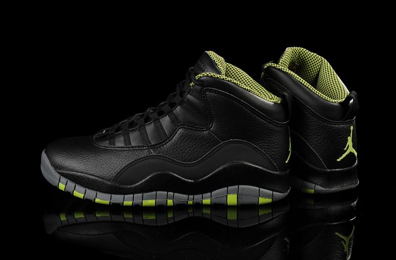 feet air jordan 10 venom green .