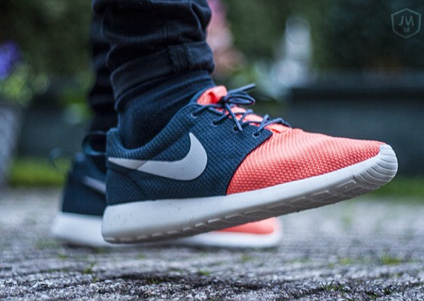 Nike Roshe Run Salmon