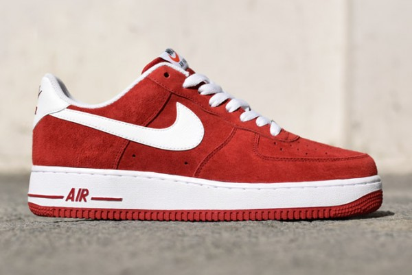 Nike Air force 1 Low Suede Rouge