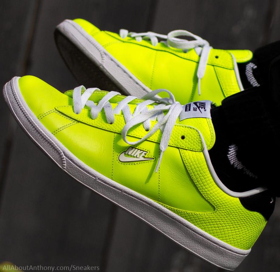 24-Nike SB Tennis Classic x Supreme - Verse001