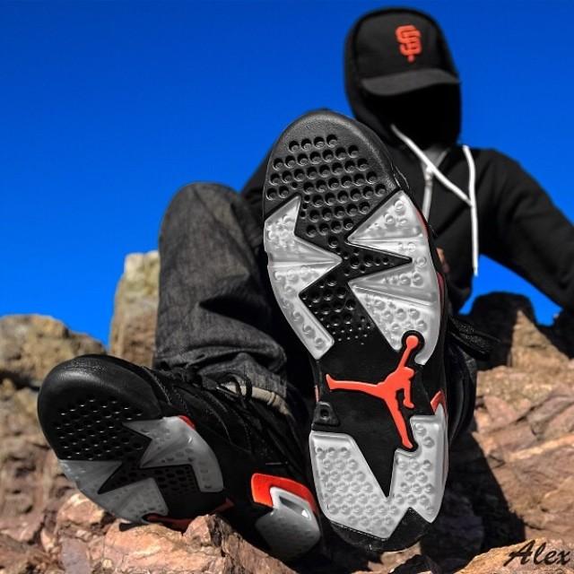 La Air Jordan 6 Retro Black/Infrared en 35 images