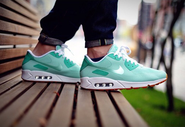 air max 90 hyperfuse id