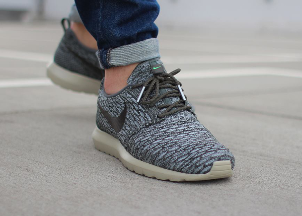 official photos 9a270 024f3 Nike Flyknit Roshe Run River Rock 2