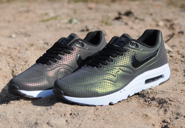 air max 1 ultra moire qs holographic deep pewter