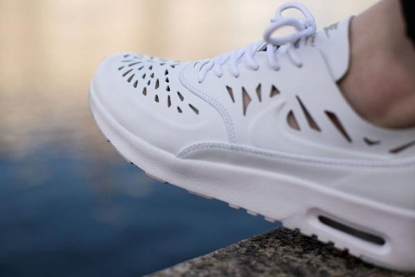 Nike Thea Blanche Joli