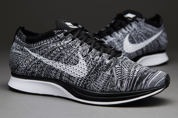 nike racer flyknit oreo institut. Black Bedroom Furniture Sets. Home Design Ideas