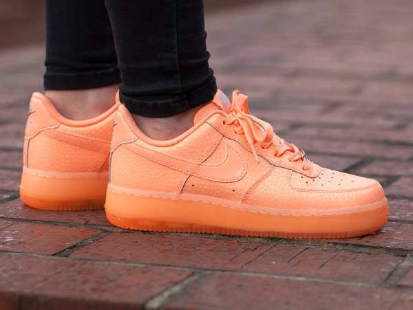 Nike wmns Air Force 1 Low Sunset femme rose saumon (6)