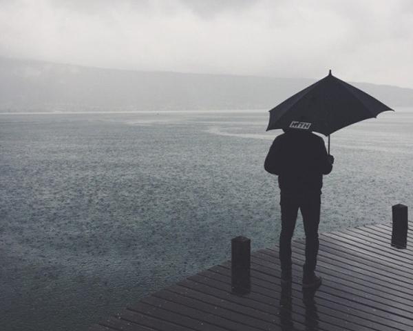 Ronnie Fieg annecy sous la pluie