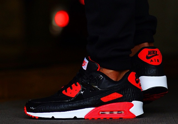 Nike Air Max 90 Infrared Croc & Dusty Cactus post image