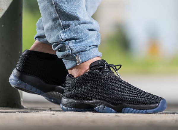 air jordan future low black
