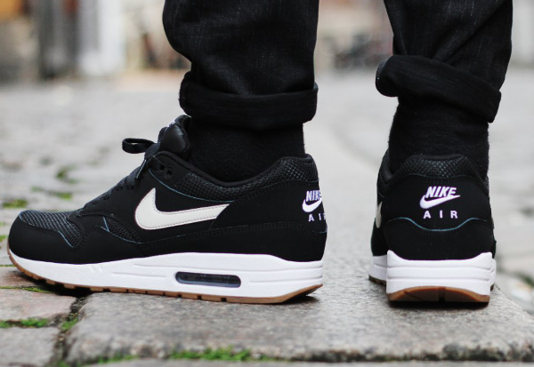outlet store a7b49 493a7 Nike Air Max 1 Essential Black White Gum