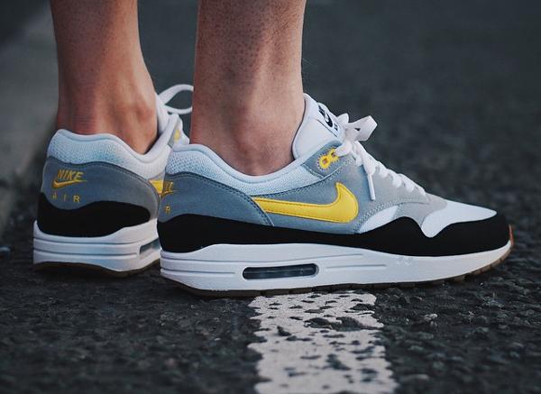 Nike Air Max 1 Jaune Et Noir