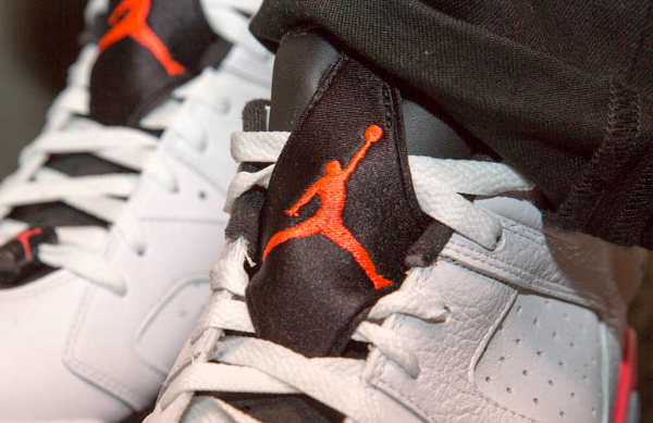 Air Jordan 6 Retro Low Infrared aux pieds (1)