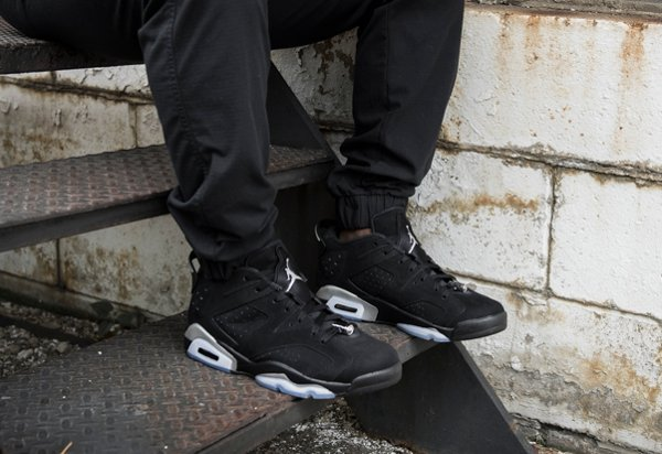 Air Jordan 6 Retro Low Black Metallic Silver aux pieds (1)