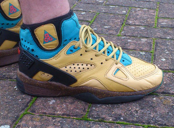 Nike Air Mowabb OG - Lemon Diesel