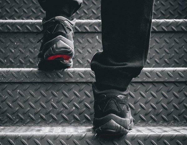 Air Jordan 11 Low IE noire (9)