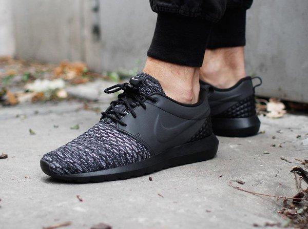 Nike Roshe Run Flyknit PRM Oreo Toe (2)