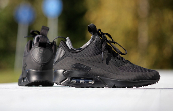 Nike Air Max 90 Mid WNTR noire (2)