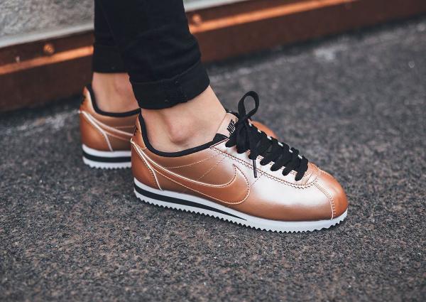 Nike Cortez Blanche Et Rouge Femme