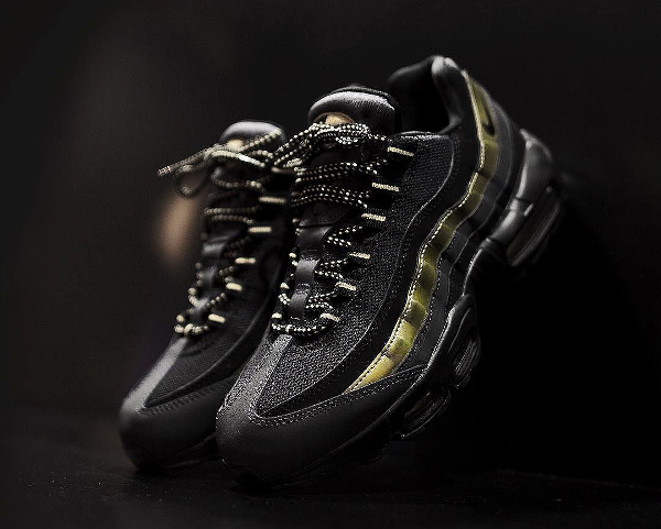 Nike Air Max 95 PRM Black Metallic Gold (1)