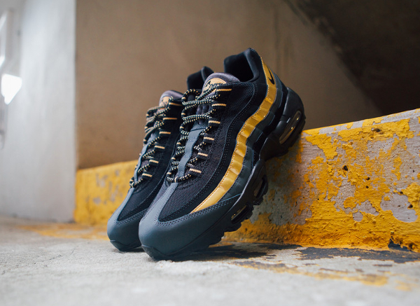 Air Max 95 Black And Gold