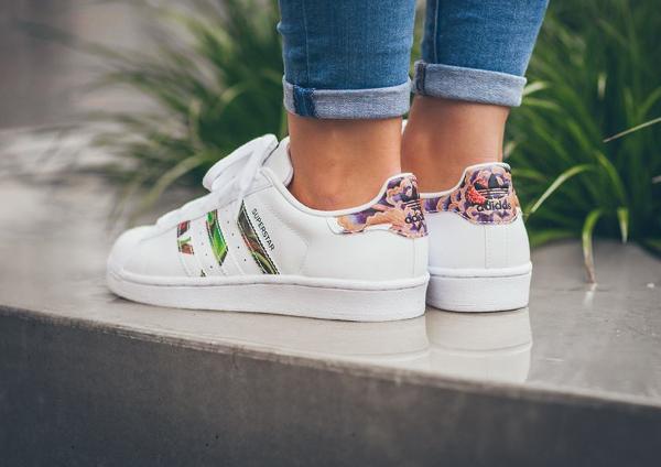 O 249 Acheter La Adidas Superstar W Floral Stripes