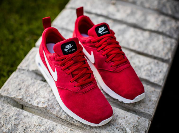 air max rouge daim