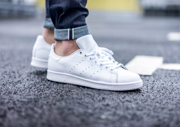 La Adidas Stan Smith 'blanche' Triple White en 8 images