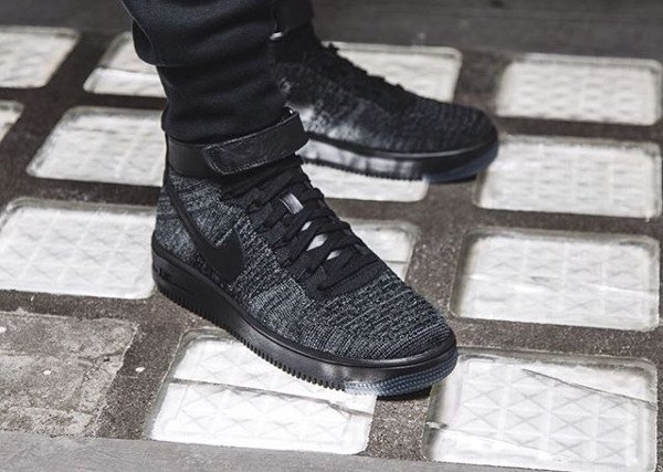 Nike Air Force 1 Ultra Flyknit Dark Grey pas cher (1)