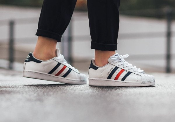 adidas Originals Womens Superstar Foundation Trainer White / Black