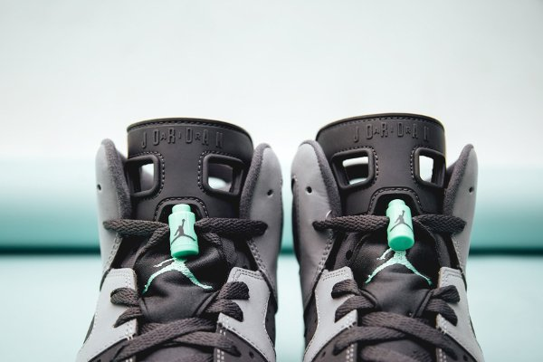 Basket Air Jordan 6 Retro Green Glow (5)
