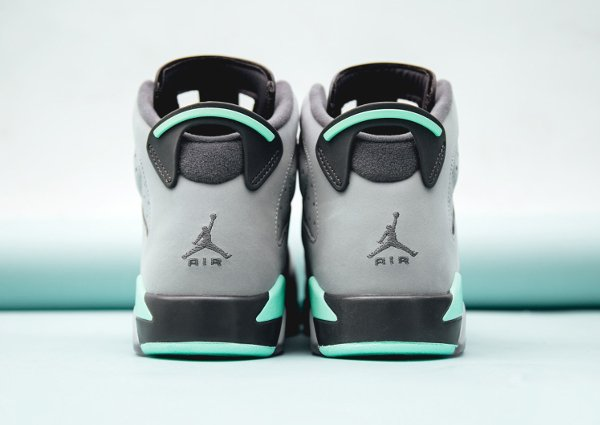 Basket Air Jordan 6 Retro Green Glow (6)