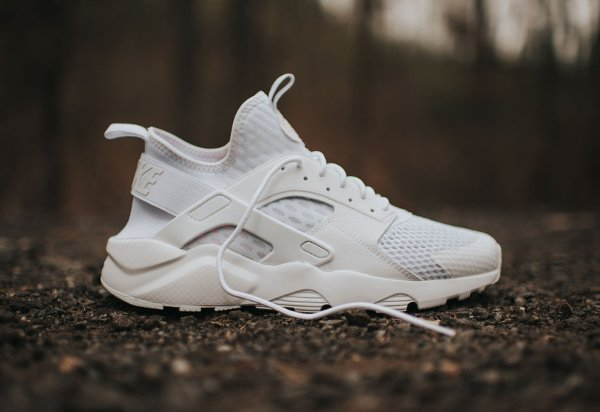 Reddit White Medium Top Shoes