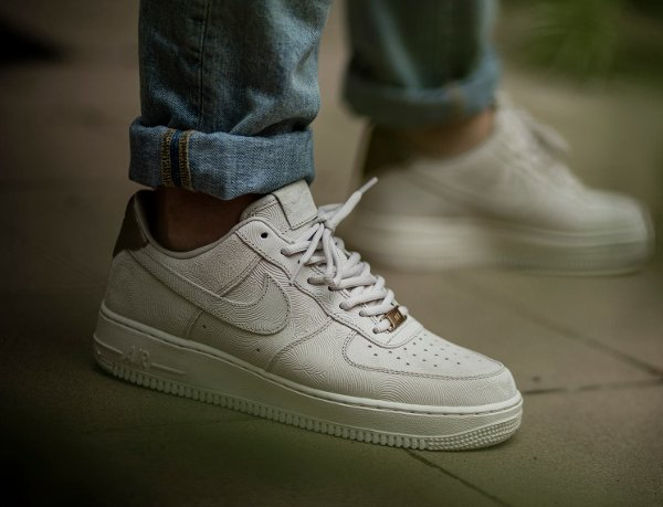 nike air force 1 low suede grijs
