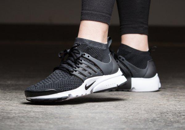 Basket Nike Wmns Air Presto Ultra Flyknit Black (noire) (1)