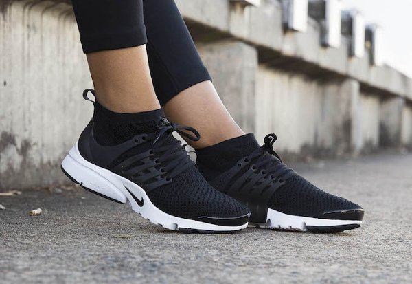 Basket Nike Wmns Air Presto Ultra Flyknit Black (noire)