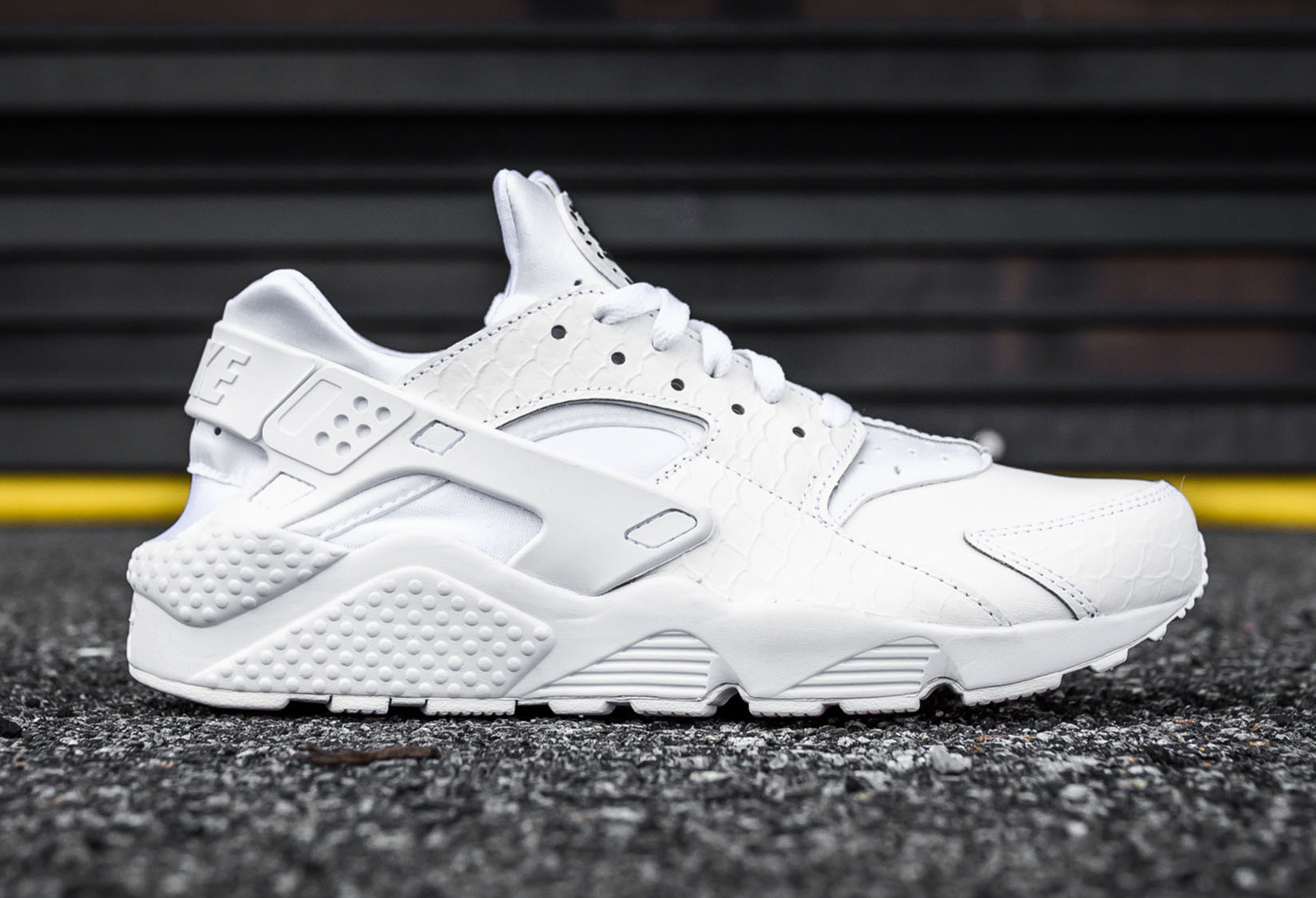 Nike Air Huarache Run Prm Black Amp White Scales
