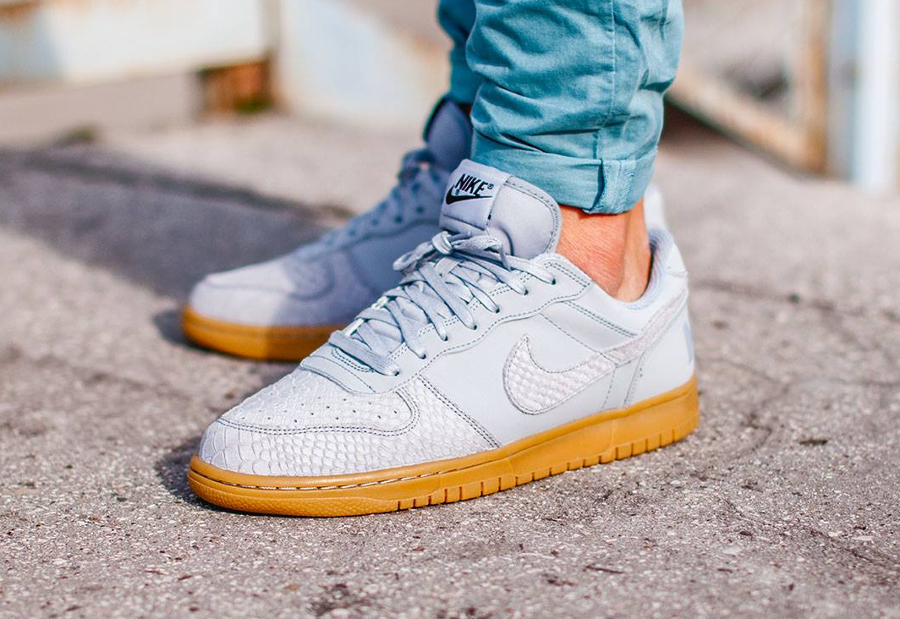4-nike-big-low-lux-wolf-grey-gum-snake-pas-cher